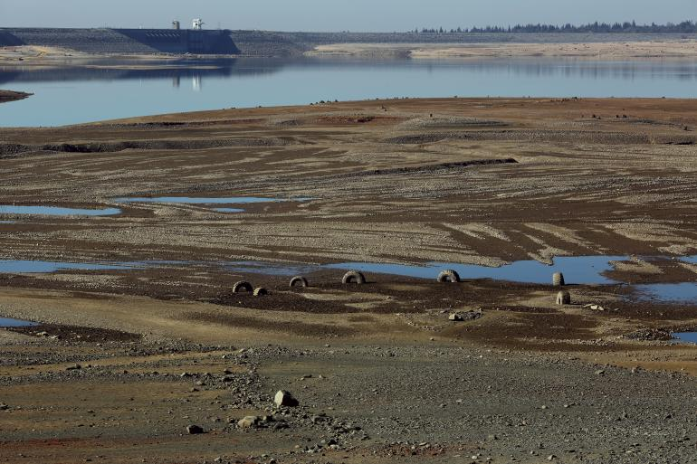 california-drought-folsom-lake-jan-2014